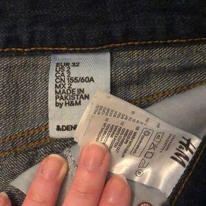 H&M Shorts - H&M Dark Wash Jean Shorts Size 2